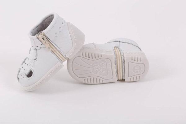 Беко Бебешки обувки за прохождане Беко - буйки  бели /естествена кожа/ лято