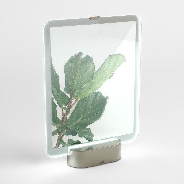 """UMBRA Рамка за снимки с LED светлина """"GLO"""" - 20х25см - сребрист цвят"""
