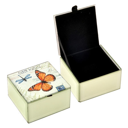 Кутия за бижута пеперуда