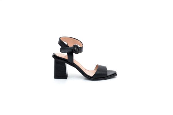 Елегантни черни дамски сандали от естествена кожа на висок ток 04.1004