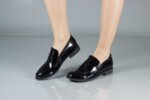 Ежедневни черни дамски обувки от лак 01.1851