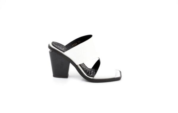 Дамски бели чехли от естествена кожа на висок ток 02.1128