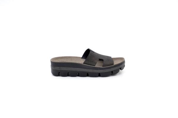 Дамски черни чехли от естествена кожа 42.206