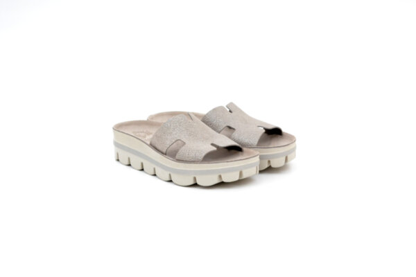 Дамски сиви чехли от естествена кожа 42.206