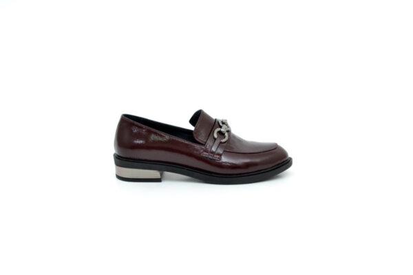 Ежедневни дамски обувки от естествен лак в цвят бордо 01.3452