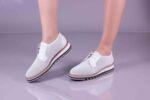Ежедневни бели дамски обувки от естествена кожа 10.33007