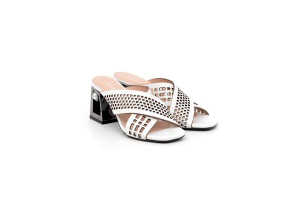 Дамски бели чехли от естествена кожа на висок ток 04.2436