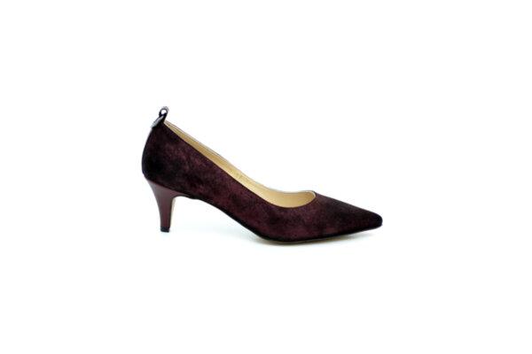 Елегантни дамски обувки от естествен велур в цвят бордо на среден ток 02.2081