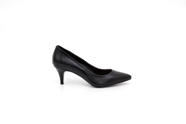 Елегантни черни дамски обувки от естествена кожа на висок ток 01.3455
