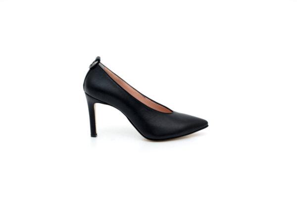 Елегантни черни дамски обувки от естествена кожа на висок ток 02.2082