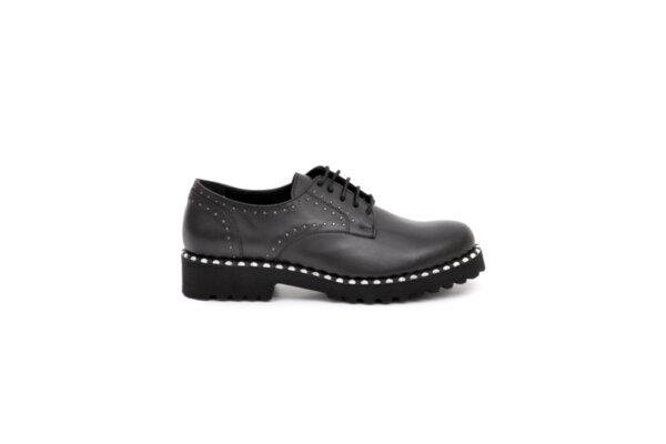 Ежедневни черни дамски обувки от естествена кожа 10.30112