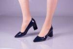 Елегантни сини дамски обувки от лак на висок ток 01.4079