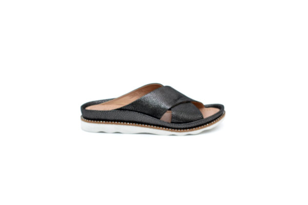 Дамски черни чехли от естествена кожа 06.20681