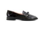 Ежедневни черни дамски обувки от черен лак 04.064