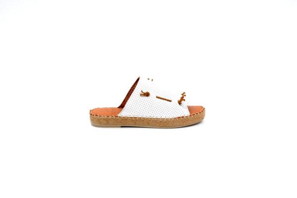 Дамски бели чехли от естествена кожа 32.8013