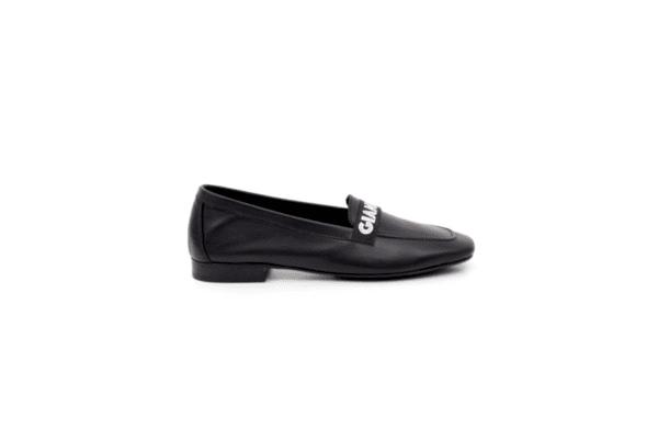 Ежедневни черни дамски обувки от естествена кожа 04.8614