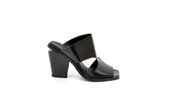 Дамски черни чехли от естествена кожа на висок ток 02.1128