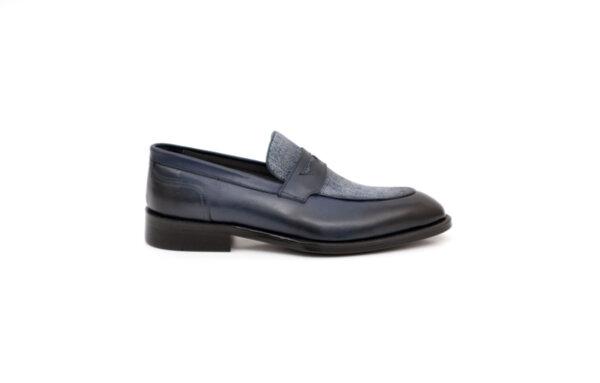 Елегантни сини мъжки обувки от естествена кожа 18.50