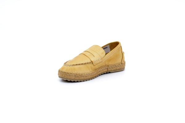 Ежедневни бежови дамски обувки от естествена кожа 56.518