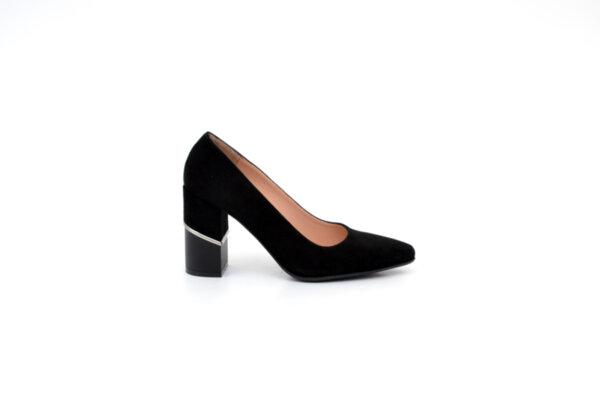 Елегантни черни дамски обувки от естествен велур на висок ток 04.3739