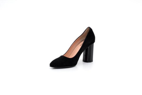 Елегантни черни дамски обувки от естествен велур на висок ток 04.234