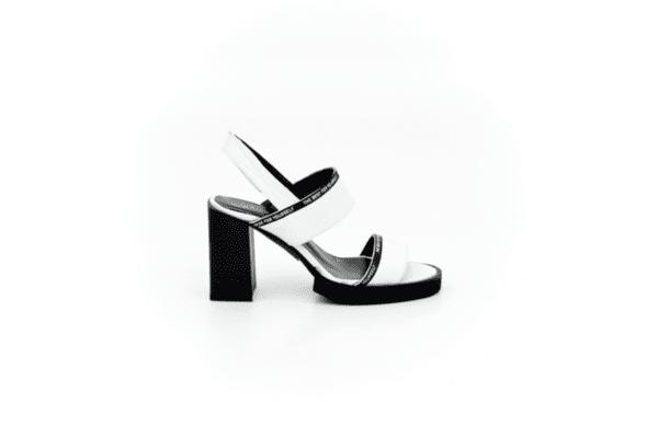Елегантни бели дамски сандали от естествена кожа на висок ток 04.6130