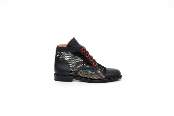 Ежедневни черни дамски обувки от естествена кожа и мрежа 04.1270