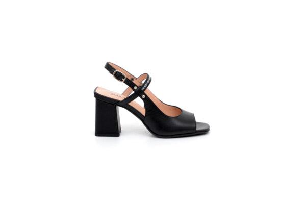 Елегантни черни дамски сандали от естествена кожа на висок ток 04.6514