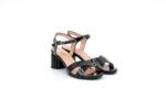 Елегантни черни дамски сандали от лак на висок ток 04.2231