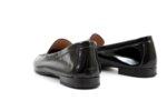 Ежедневни черни дамски обувки от естествен лак 04.5841