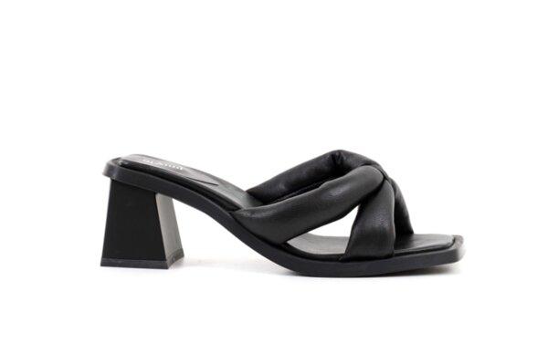 Дамски черни чехли от естествена кожа на висок ток 04.7050