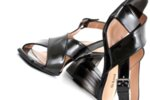 Елегантни дамски сандали от черен лак на висок ток 04.1134