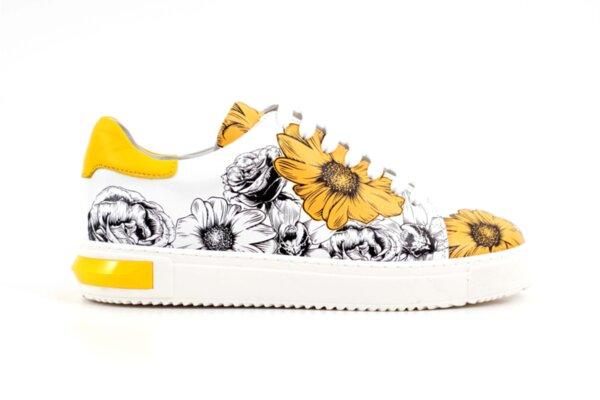 Спортни жълти дамски обувки от естествена кожа 10.33154