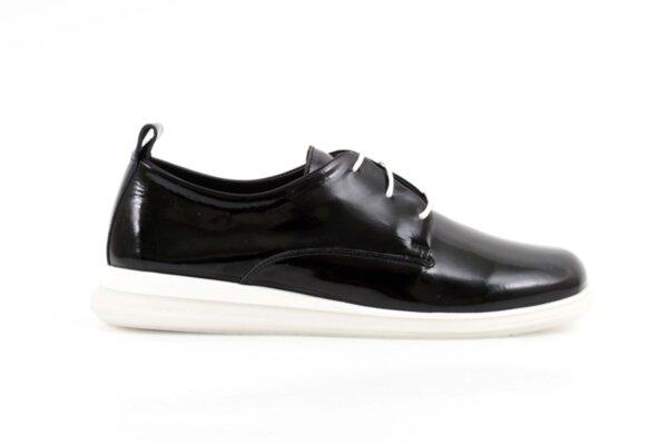 Дамски спортни черни обувки от естествена кожа 56.2704