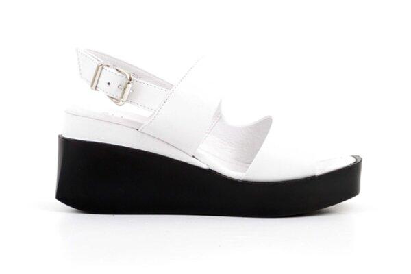 Дамски бели сандали от естествена кожа 06.32121
