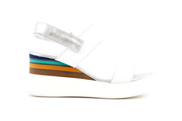 Ежедневни бели дамски сандали от естествена кожа на висок ток 56.2752