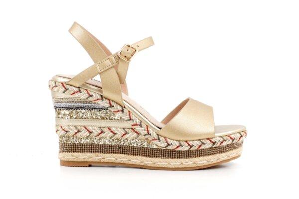 Ежедневни златни дамски сандали от еко кожа 47.21861