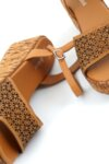 Ежедневни камелени дамски сандали от естествена кожа на висок ток 04.2633