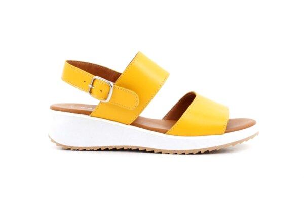 Ежедневни жълти дамски сандали от естествена кожа 04.64