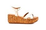 Ежедневни бежови дамски сандали от естествена кожа на висок ток 04.2226