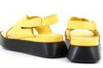 Ежедневни жълти дамски сандали от естествена кожа 56.2652