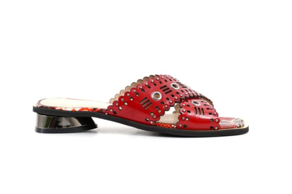 Дамски червени чехли от естествен лак 29.11809
