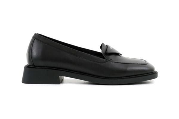 Ежедневни черни дамски обувки от естествена кожа 04.1903