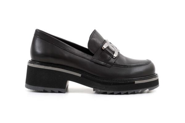 Ежедневни черни дамски обувки от естествена кожа 29.501