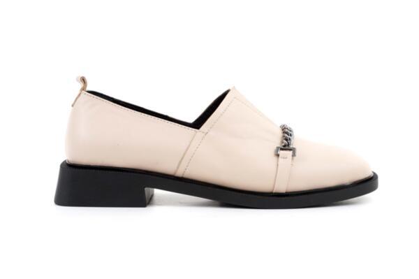 Ежедневни бежови дамски обувки от естествена кожа 04.1906