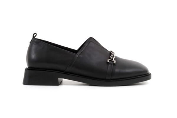Ежедневни черни дамски обувки от естествена кожа 04.1906