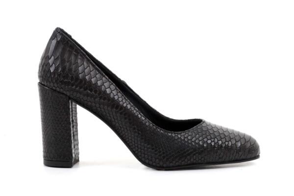 Елегантни черни дамски обувки от естествена кожа на висок ток 01.2
