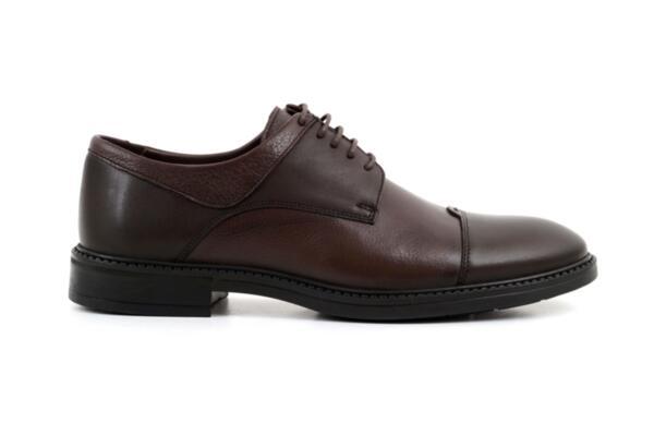 Елегантни кафяви мъжки обувки от естествена кожа 57.99902