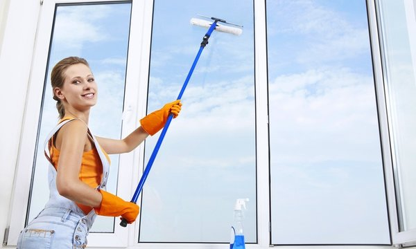 7 Грешки,които можете да допуснете,използвайки препарат за почистване на стъкла