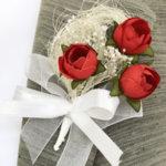 Бутониери за сватба от червени божури B54